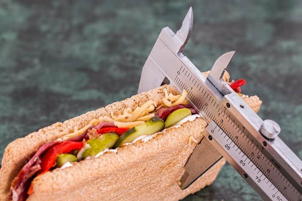 מדידת אוכל בסרגל