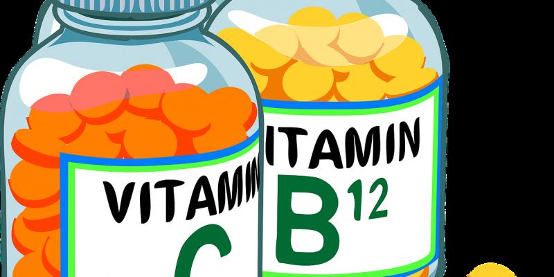 כדורי ויטמינים בבקבוקונים